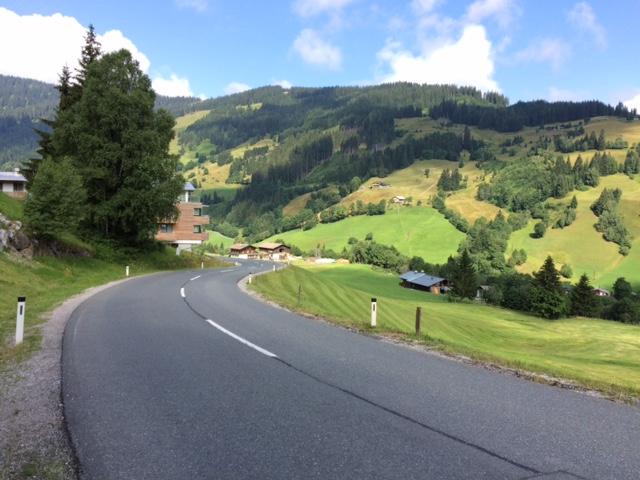 pequena na viagem, croacia, viagem dos sonhos, estrada Áustria