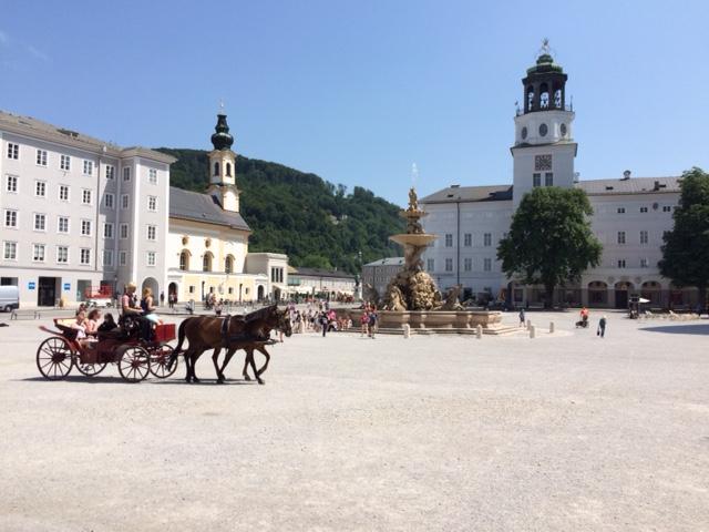 pequena na viagem Salzburg Centro