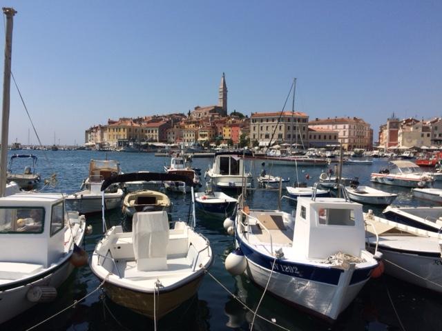 pequena na viagem croacia viagem dos sonhos rovinj vista da cidade