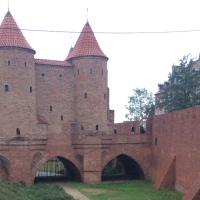 Um passeio pela Polônia: Varsóvia, Cracóvia e Auschwitz