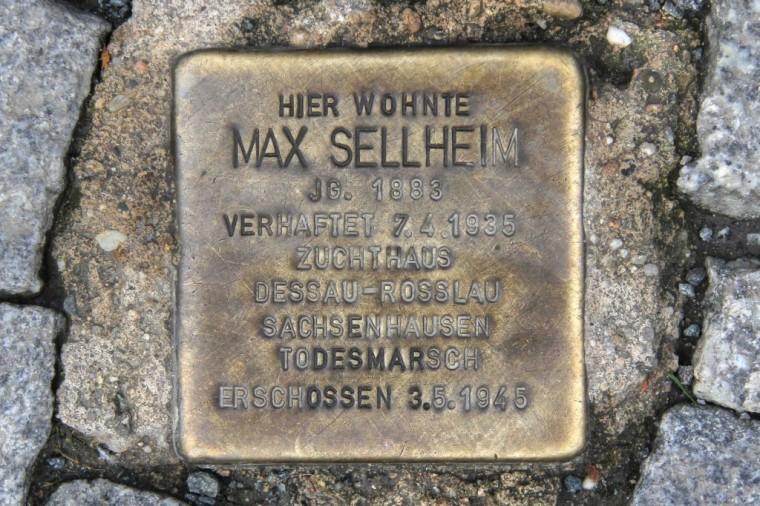 stolpersteine-berlin-181-corner-of-naunynstrasse-and-manteuffelstrasse-1024x683