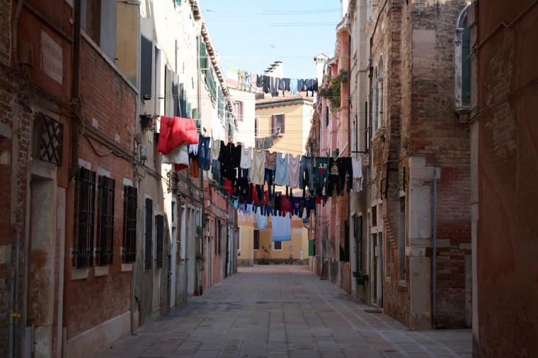 Veneza roupas penduradas.jpg